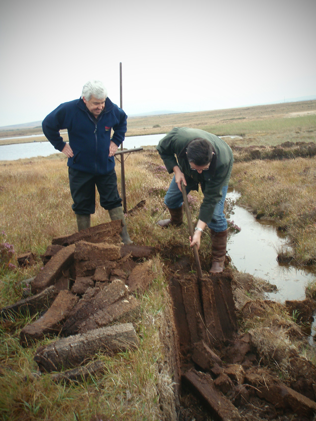 peat cutting with iain
